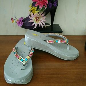 Size 7 Volatile wedge thong sandals crystals